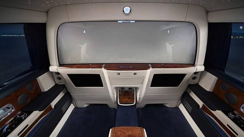 Με τη Rolls Royce Private Suite οι πίσω επιβάτες μπορούν να γίνουν αόρατοι