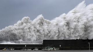 Ιαπωνία: Στο έλεος του σφοδρότερου τυφώνα των τελευταίων 25 ετών