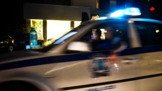 Ένας νεκρός και αστυνομικοί τραυματίες σε «περίεργο» περιστατικό στην Ομόνοια