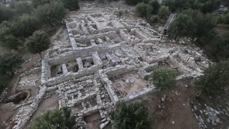 Κρήτη: Στο φως μινωικό ανάκτορο που χτίστηκε σε βράχο