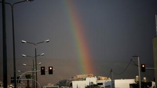 Εντυπωσιακό ουράνιο τόξο στην Αθήνα
