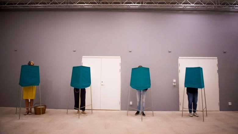Εκλογές Σουηδία: Μάχη στήθος με στήθος μεταξύ κεντροαριστεράς και κεντροδεξιάς