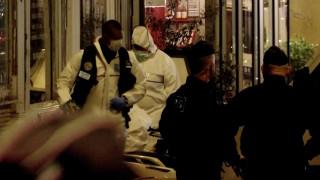 Τρόμος στο Παρίσι: Επτά τραυματίες από επίθεση με μαχαίρι