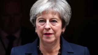 Brexit: Το σχέδιο Τσέκερς απειλεί με διάσπαση τους Συντηρητικούς της Μέι