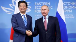 Άμπε: Με τον Πούτιν οδεύουμε προς μία ειρηνική συμφωνία