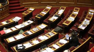Πρώτη μέρα στο σχολείο: Τροπολογία για τα προβλήματα στη μεταφορά μαθητών