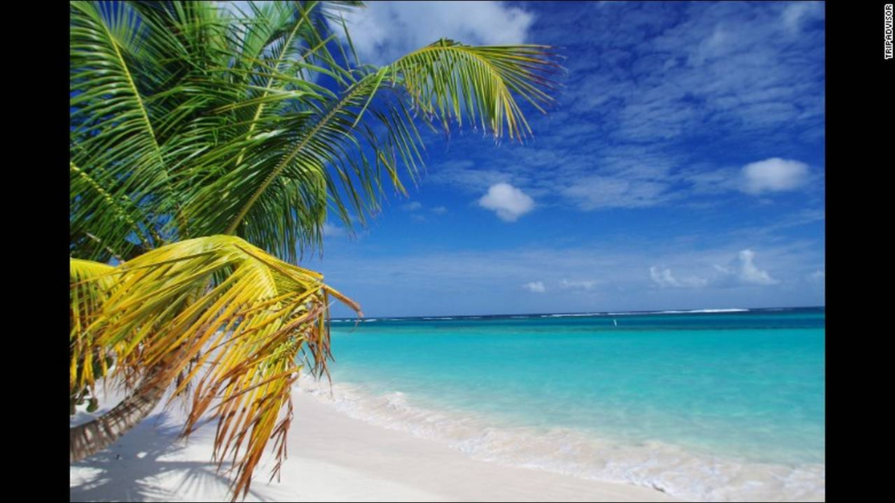 https://cdn.cnngreece.gr/media/news/2018/09/12/146404/photos/snapshot/06-flamenco-beach-culebra-puerto-rico.jpg