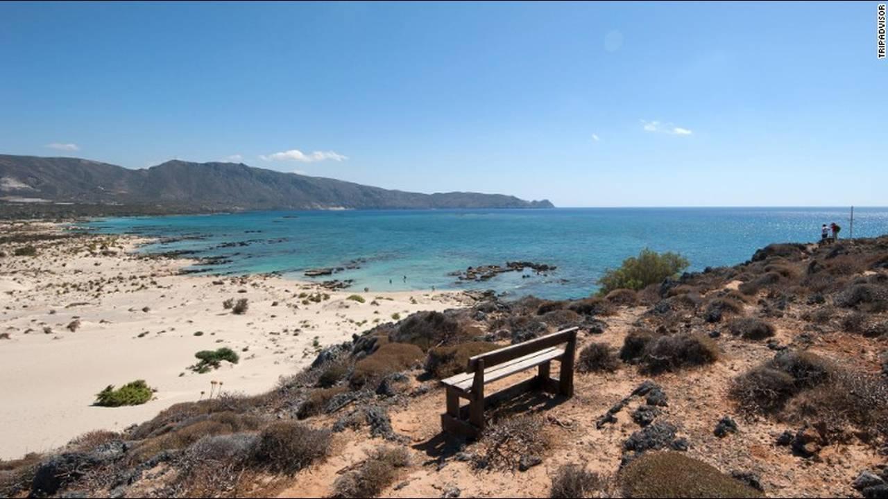 https://cdn.cnngreece.gr/media/news/2018/09/12/146404/photos/snapshot/14-elafonissi-beach-elafonissi-greece.jpg
