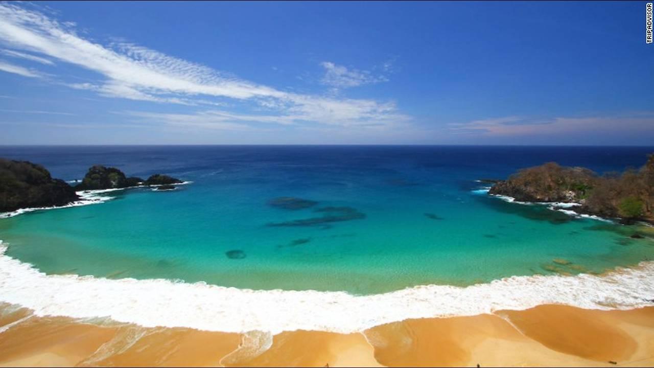 https://cdn.cnngreece.gr/media/news/2018/09/12/146404/photos/snapshot/baia-do-sancho-fernando-de-noronha-brazil-exlarge.jpg