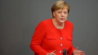 Μέρκελ: Η Ε.Ε. να δείξει αλληλεγγύη για να αντιμετωπιστεί η παράνομη μετανάστευση