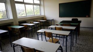 Νέα σχολική χρονιά: Τι προβλέπεται για τη χορήγηση γονικής άδειας