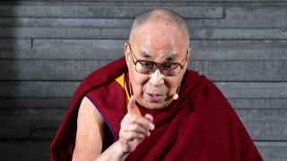 «Η Ευρώπη ανήκει στους Ευρωπαίους»: Το μήνυμα του Δαλάι Λάμα από τη Σουηδία