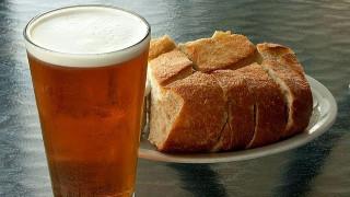 Έρευνα: Οι πρόγονοί μας έφτιαξαν πρώτα μπύρα και μετά ψωμί