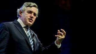 «Ο κόσμος υπνοβατεί προς μία ακόμη οικονομική κρίση» προειδοποιεί ο Γκόρντον Μπράουν