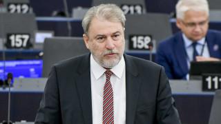 Ευρωκοινοβούλιο: Αποχώρησε ο Νότης Μαριάς διαμαρτυρόμενος για την παρουσία Ζάεφ