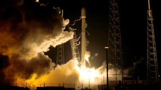 Ο πρώτος επιβάτης της Space X για ένα ταξίδι γύρω από τη Σελήνη