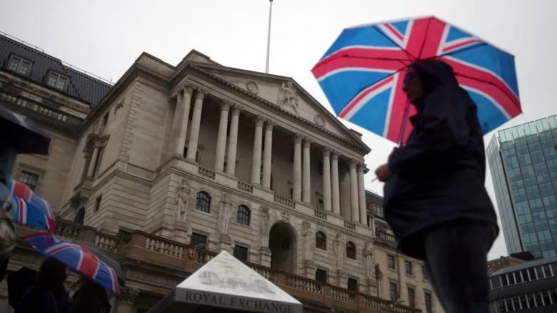 Brexit: Για ενδεχόμενο «κραχ» στην αγορά ακινήτων προειδοποιεί η Τράπεζα της Αγγλίας