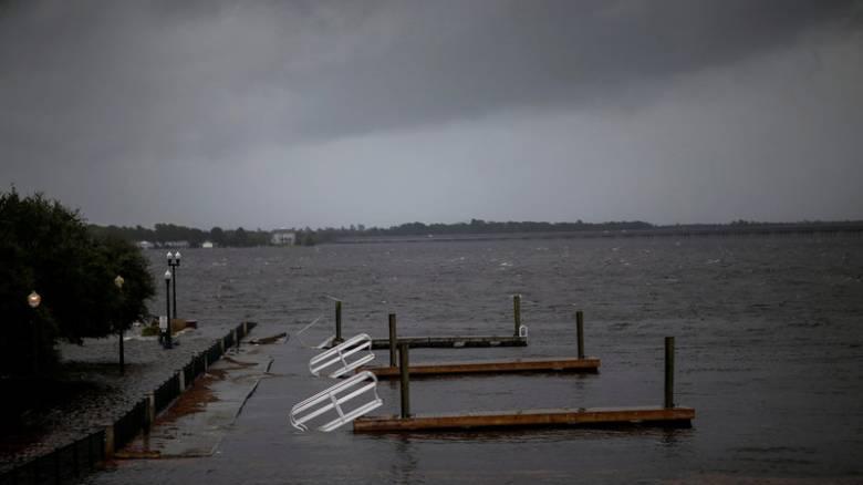 «Σημαντική απειλή» ο κυκλώνας Φλόρενς