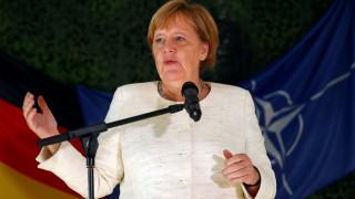 Μέρκελ: Δεν θα εξετάσουμε την άρση των κυρώσεων σε βάρος της Ρωσίας