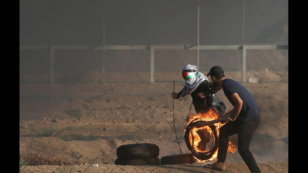 https://cdn.cnngreece.gr/media/news/2018/09/14/146795/photos/snapshot/2018-09-14T155829Z_1084791278_RC187E802E30_RTRMADP_3_ISRAEL-PALESTINIANS-PROTESTS.JPG