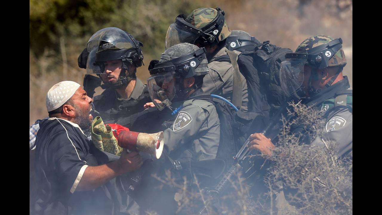 https://cdn.cnngreece.gr/media/news/2018/09/14/146795/photos/snapshot/2018-09-14T162838Z_1748592445_RC1D88A75E00_RTRMADP_3_ISRAEL-PALESTINIANS-SETTLEMENTS.JPG