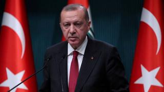 Η τουρκική οικονομία καταρρέει και ο Ερντογάν παίρνει «ιπτάμενο παλάτι»