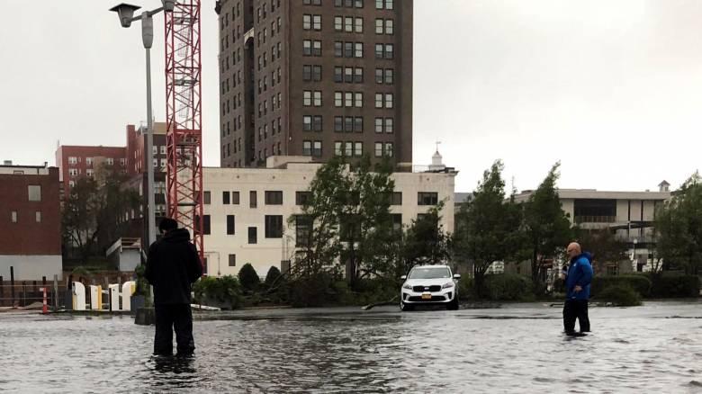 Ο κυκλώνας Φλόρενς «σαρώνει» τις ΗΠΑ: Τέσσερις νεκροί και εικόνες καταστροφής