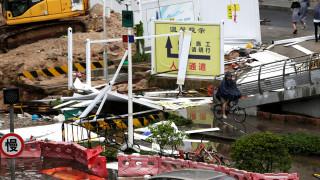 Το Χονγκ Κονγκ μετρά τις πληγές του από τον σαρωτικό τυφώνα Μανγκούτ