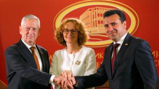 πΓΔΜ: Ρωσικό «δάκτυλο» στο δημοψήφισμα «βλέπουν» οι ΗΠΑ-Τι απαντά ο Ζάεφ
