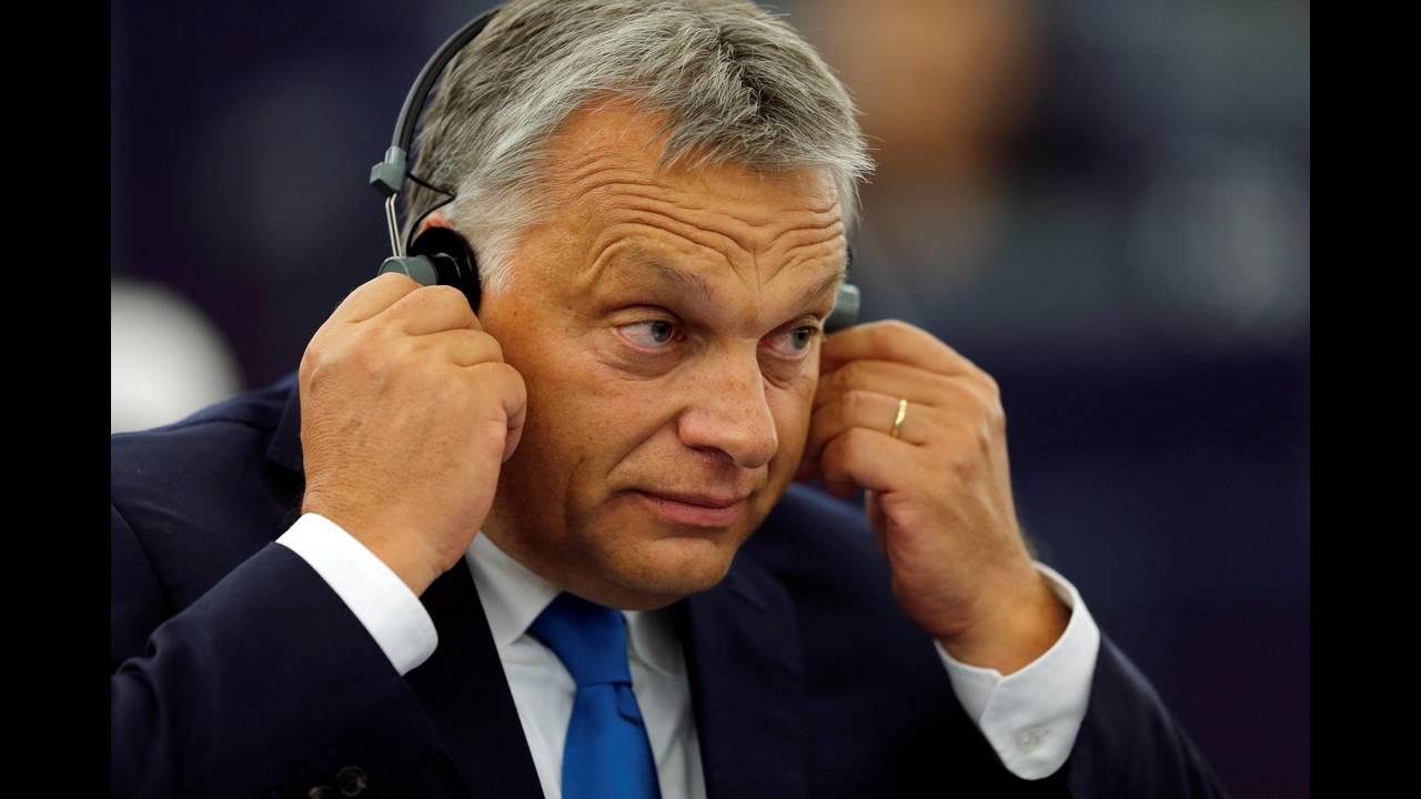 https://cdn.cnngreece.gr/media/news/2018/09/17/147079/photos/snapshot/2018-09-11T133515Z_1347741852_RC1ADADBAB50_RTRMADP_3_EU-HUNGARY.JPG