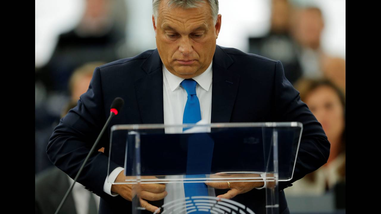 https://cdn.cnngreece.gr/media/news/2018/09/17/147079/photos/snapshot/2018-09-11T134435Z_1134940495_RC14BC5FBD40_RTRMADP_3_EU-HUNGARY.JPG