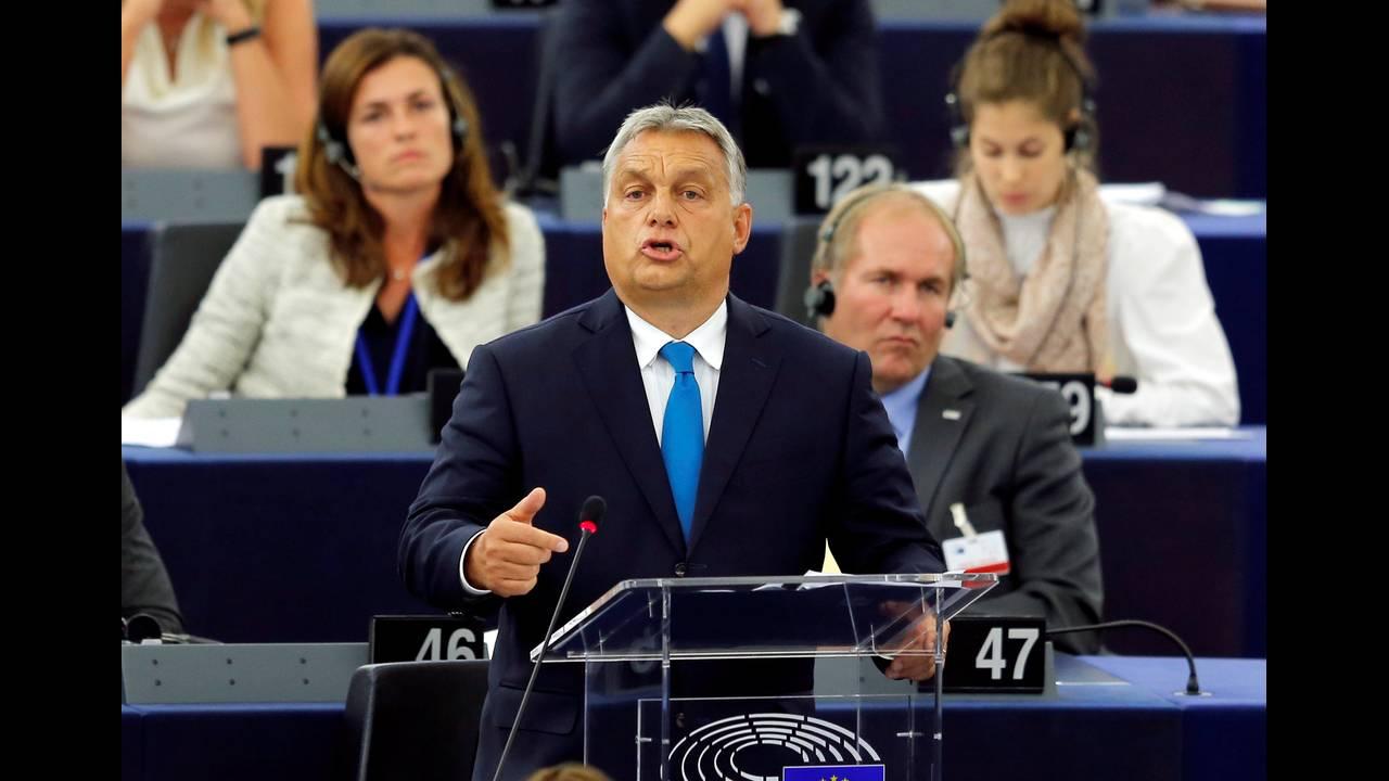 https://cdn.cnngreece.gr/media/news/2018/09/17/147079/photos/snapshot/2018-09-11T134733Z_629137153_RC1B06BFACF0_RTRMADP_3_EU-HUNGARY.JPG