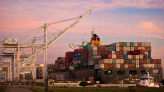 Αντίμετρα στους πρόσθετους τελωνειακούς δασμούς από τις ΗΠΑ θα λάβει η Κίνα