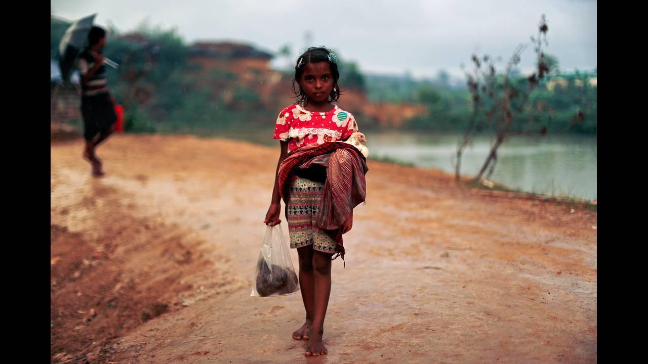 https://cdn.cnngreece.gr/media/news/2018/09/18/147289/photos/snapshot/2017-10-18T182216Z_422992291_RC1535E8C3D0_RTRMADP_3_MYANMAR-ROHINGYA-BANGLADESH.JPG