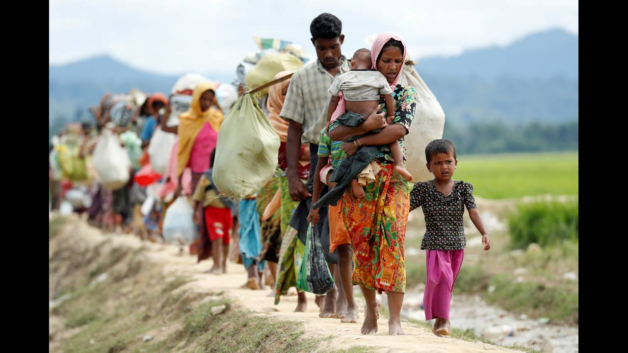 https://cdn.cnngreece.gr/media/news/2018/09/18/147289/photos/snapshot/2017-10-19T112540Z_1811326420_RC12624B5EE0_RTRMADP_3_MYANMAR-ROHINGYA-BANGLADESH.JPG