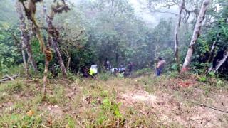 Ισημερινός: Τουλάχιστον 12 νεκροί από πτώση λεωφορείου σε χαράδρα 100 μέτρων