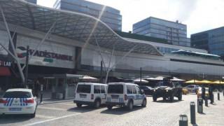 Ένοπλος κρατάει όμηρο σε εμπορικό κέντρο στην Κωνσταντινούπολη