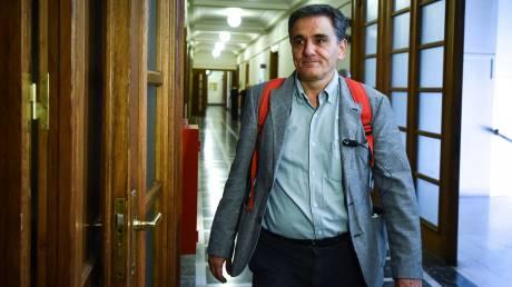 Ζήτημα αξιοποίησης του υπερπλεονάσματος έθεσε ο Τσακαλώτος στον Όλαφ Σολτς