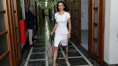 Κατατέθηκε στη Βουλή η τροπολογία για τον κατώτατο μισθό