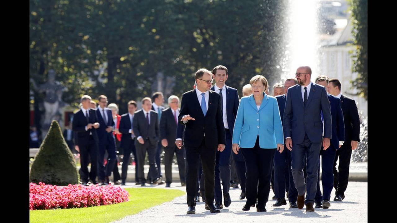 https://cdn.cnngreece.gr/media/news/2018/09/20/147519/photos/snapshot/2018-09-20T103607Z_795680479_RC192FA7E800_RTRMADP_3_EU-SUMMIT.jpg