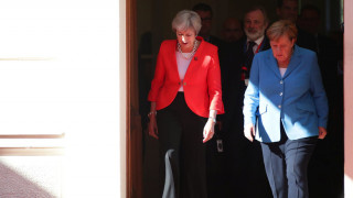Μέρκελ: Χρειάζεται ουσιαστική πρόοδος για το Brexit έως τον Οκτώβριο
