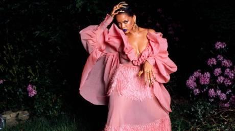 Rihanna: haute couture παρέμβαση μετά τον ακτιβισμό