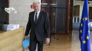 Αβραμόπουλος: Δεν πρέπει να συγχέεται το μεταναστευτικό με την τρομοκρατία