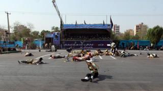 Δεκάδες νεκροί και τραυματίες στην επίθεση σε στρατιωτική παρέλαση στο Ιράν