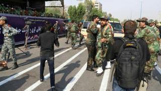 Ιράν: Δεκάδες νεκροί στην επίθεση σε στρατιωτική παρέλαση - Δύο οργανώσεις αναλαμβάνουν την ευθύνη