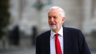 Ο Κόρμπιν προτιμά πρόωρες εκλογές παρά ένα νέο δημοψήφισμα για το Brexit