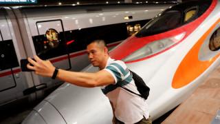 Χονγκ Κονγκ: Πρεμιέρα για το πρώτο γρήγορο τρένο με κατεύθυνση την ηπειρωτική Κίνα