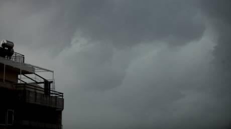 Έκτακτο δελτίο ΕΜΥ: Ποιες περιοχές θα σαρώσουν ισχυρές καταιγίδες