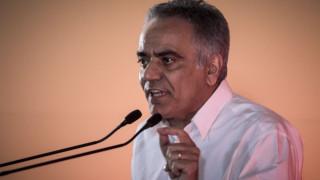 Σκουρλέτης και βουλευτές ΣΥΡΙΖΑ «πιέζουν» την Αχτσιόγλου για τις συντάξεις χηρείας