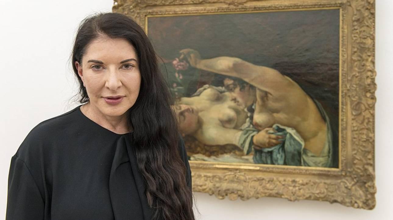 Επίθεση με... πίνακα δέχθηκε η Μαρίνα Αμπράμοβιτς
